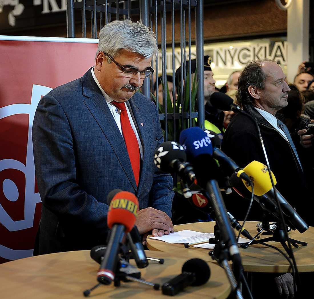 Gårdagens storbråk inom partiet tyder på att det inte kommer att bli en lätt uppgift att hitta Håkan Juholts efterträdare.