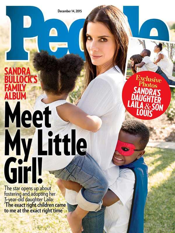 Sandra Bullock med sina två barn på omslaget till People.