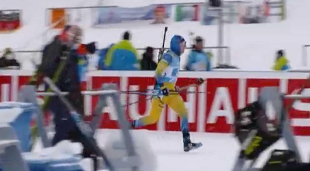 Sebastian Samuelsson tvingades springa precis före växlingen.