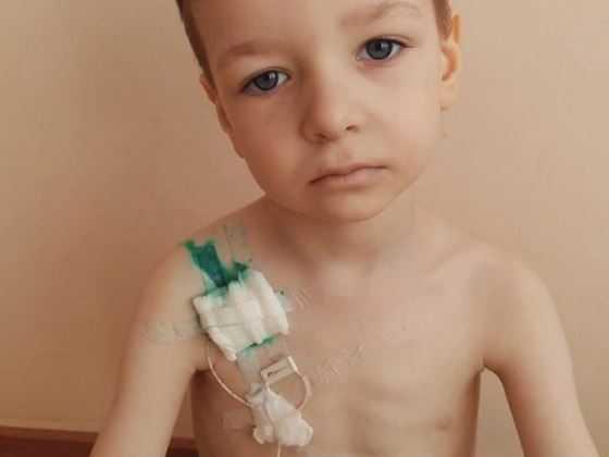 Maxim, 4 år, från Ukraina.