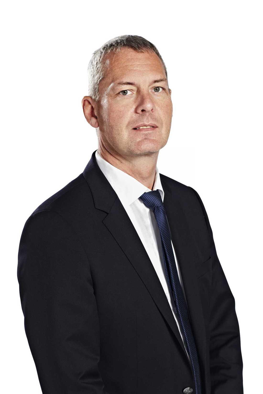 Pehr Oscarson äger tillsammans med sin pappa och bror investmentbolaget Oscarson invest. Det företaget är en av delägarna i bilbesiktaren Clearcar. Samtidigt är han vd för verkstadskedjan Meca Scandinavia.