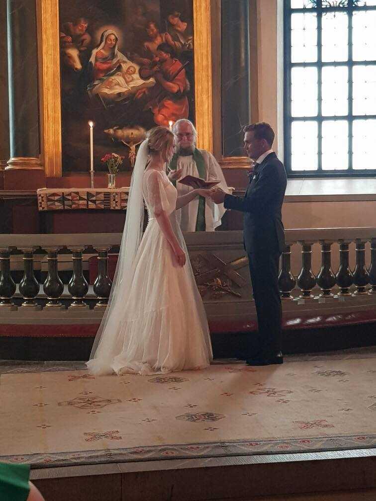 I lördags så sa Mathildas syster Emilia ja till kärleken Tim.