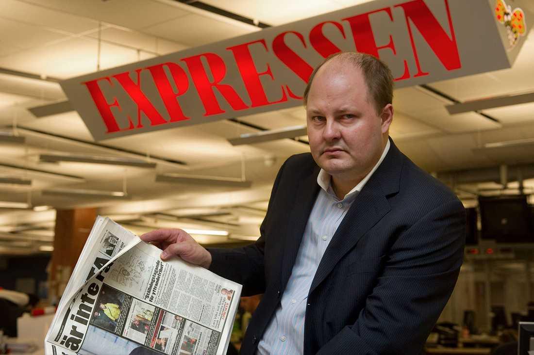 """""""Medarbetarundersökningar och ledarskapsindex visar på en god arbetsmiljö. Sjukfrånvaron är också låg"""", skriver Expressens chefredaktör Thomas Mattsson i ett sms till Aftonbladet."""