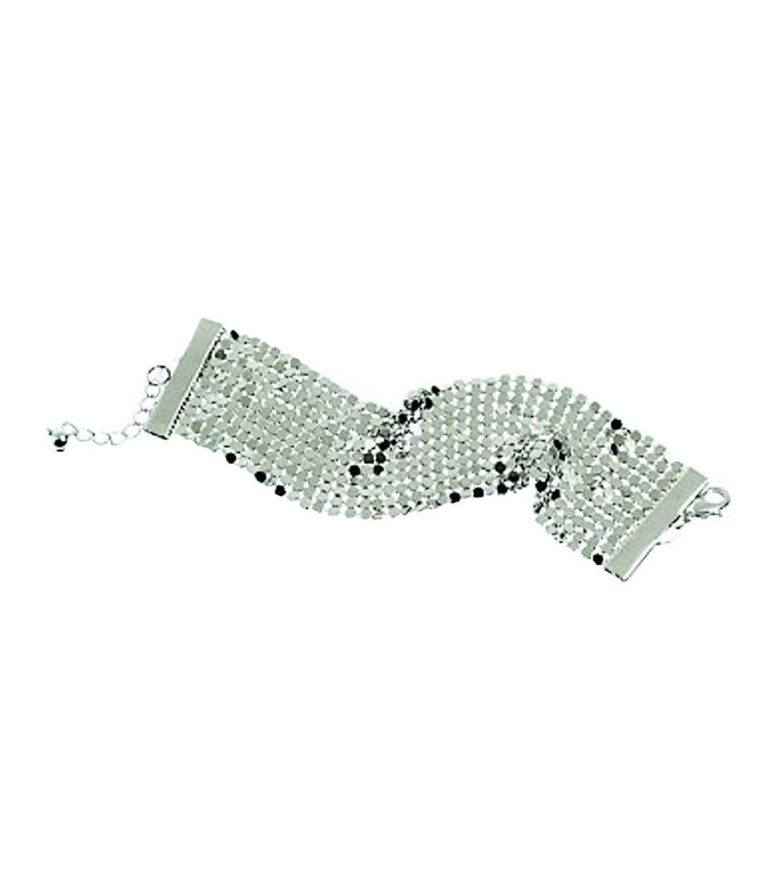 Ett silvrigt armband fixar partylooken enkelt. Det här fyndet blir ditt för bara 39,50 kronor på www.hm.com