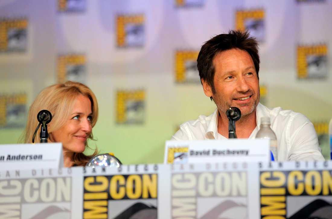 Gillian Anderson och David Duchovny tidigare i år när det blev klart att Arkiv X kommer tillbaka med sex avsnitt.