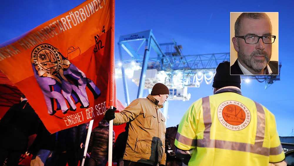 Arbetsgivarorganisationens varsel är så anmärkningsvärda och så personligt riktade mot våra medlemmar, att vi inte ser någon annan utväg än att gå ut i strejk i alla Sveriges Hamnars medlemsföretag tills vidare, skriver Martin Berg, Svenska Hamnarbetarförbundet.