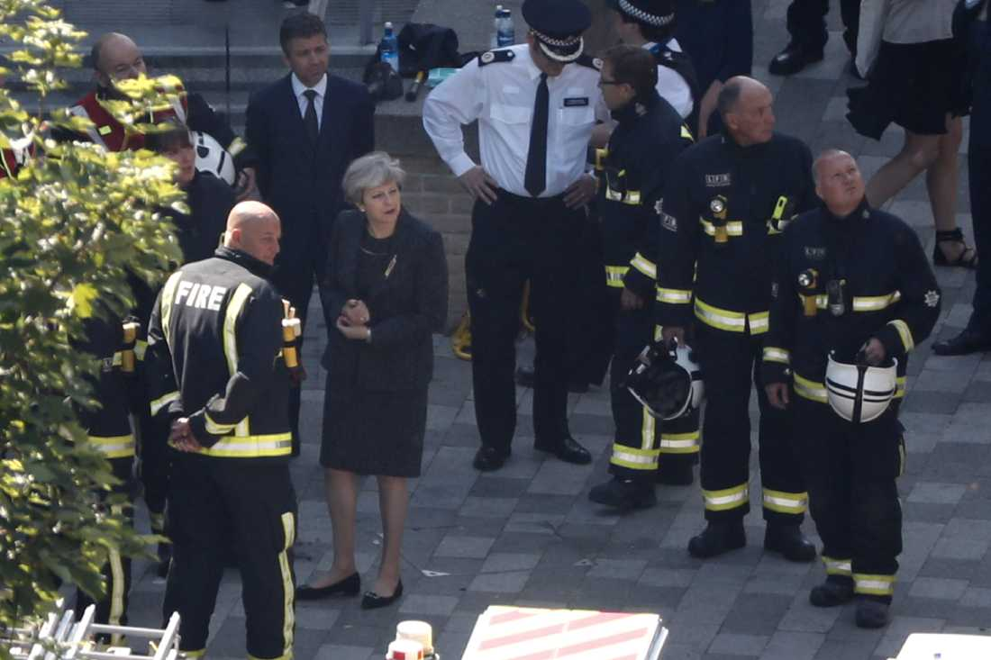 Premiärminister Theresa May besökte Grenfell Tower dagens efter branden.