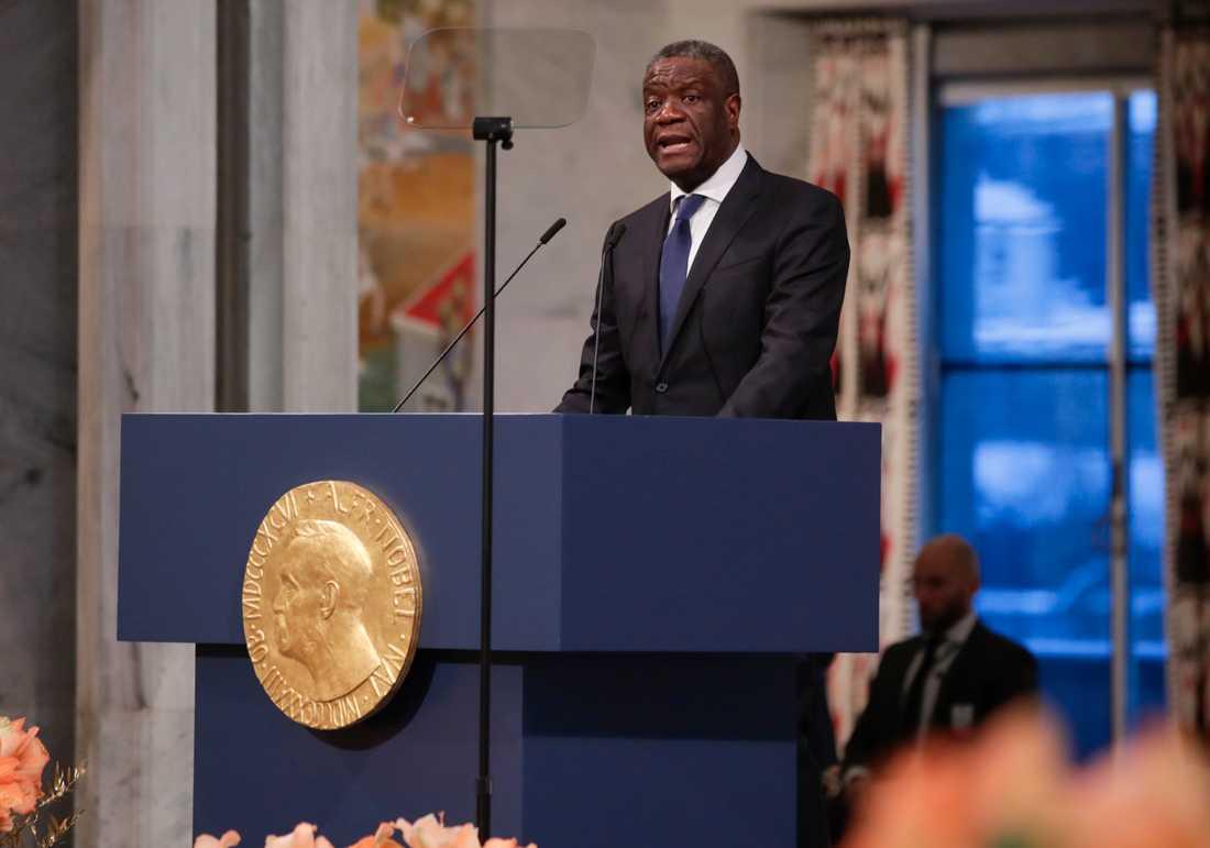 Gynekologen och fredspristagaren Denis Mukwege från Kongo-Kinshasa håller tal.