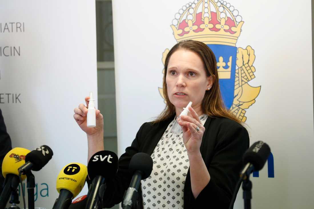 Åsa Torlöf, polisens utredare, vid en presskonferens i samband med åtalet.
