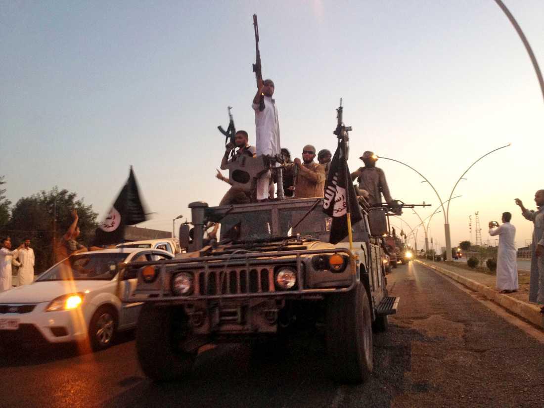 Islamiska statens krigare i Mosul i Irak 2014. Arkivbild.