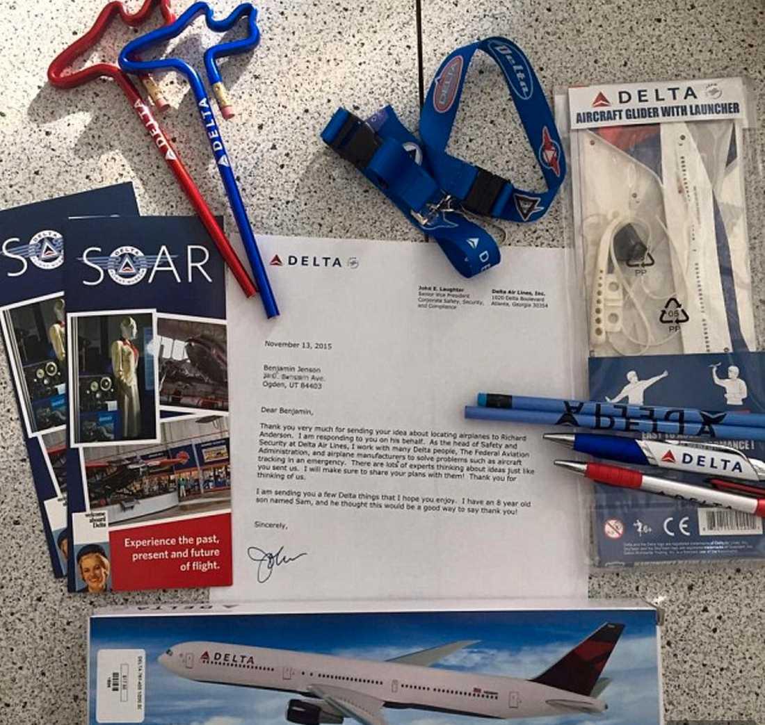 Paketet från flygbolaget.