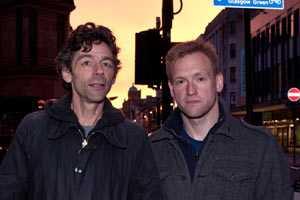 Aftonbladets fotograf Peter van den Berg och reporter Torbjörn Ek på plats i Glasgow.