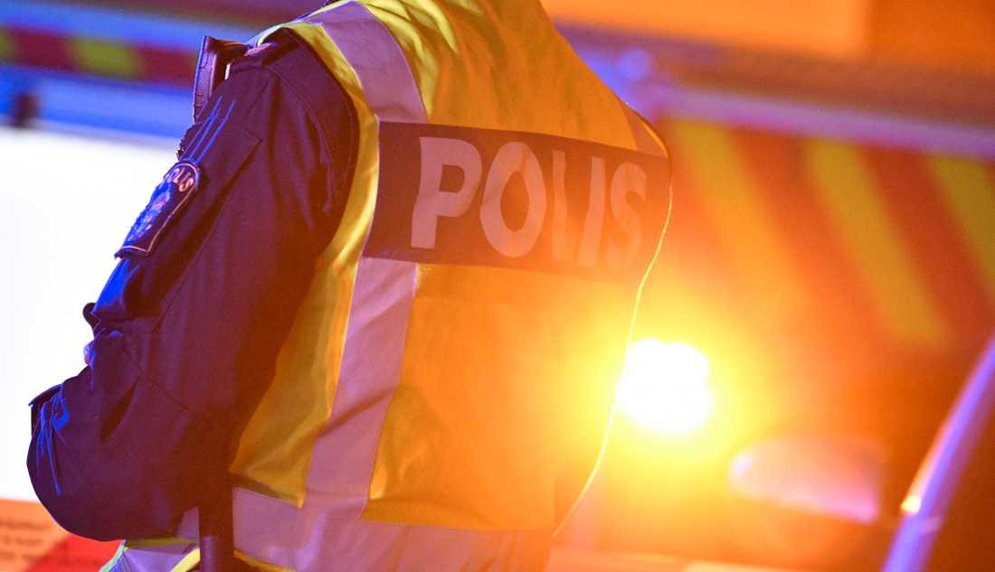 En polis har tagits ur yttre tjänst och en utredning om tjänstefel har inletts efter ett polisingripande i Eskilstuna. Arkivbild.