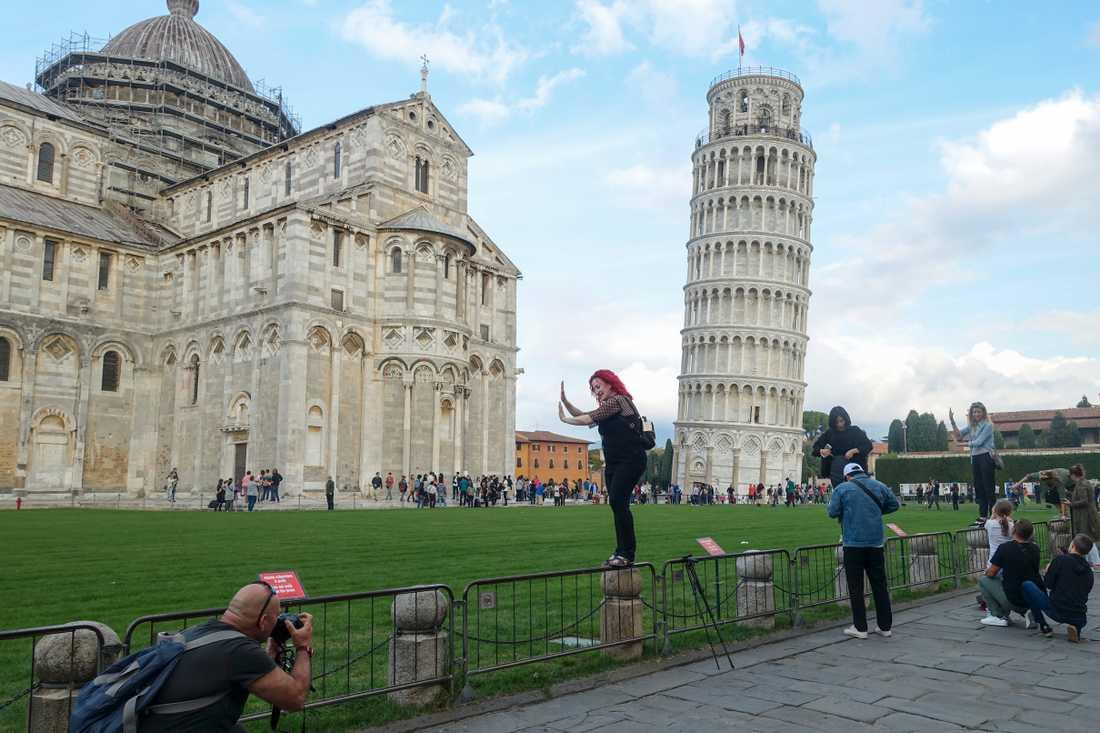 En gnutta mindre lutande torn i Pisa. Arkivbild.