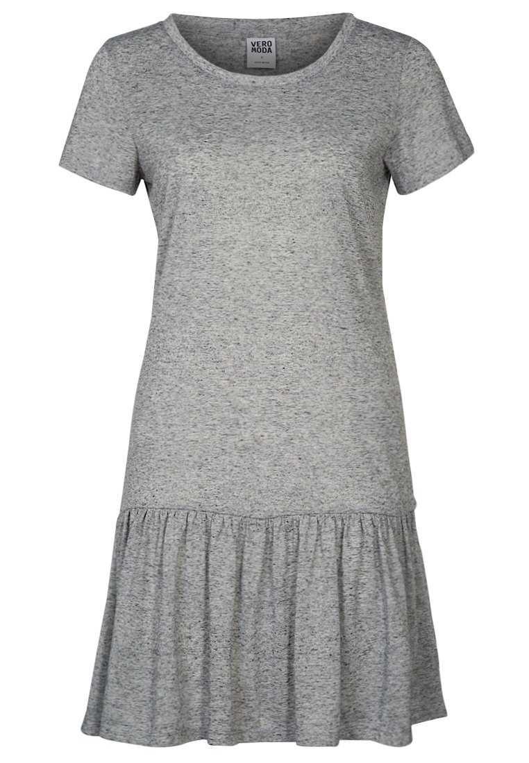 2. Den här modellen på kjol kommer starkt i vår – ett säkert trendköp med andra ord!