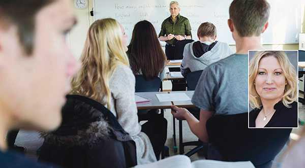 Regeringens nya lagförslag innebär att lärares rapportering om studieresultat, bidrar till besluten om uppehållstillstånd för unga. Det är orimligt, skriver Johanna Jaara Åstrand, Lärarförbundet. Eleverna på bilden har inte med texten att göra.