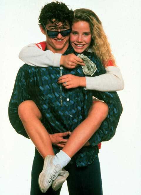 """Patrick Dempsey spelade nörd i romantiska komedin """"Can't buy me love"""". Han betalade skolans populäraste tjej, Cindy Mancini, för att gå ut med honom så att även han kunde bli lika populär."""