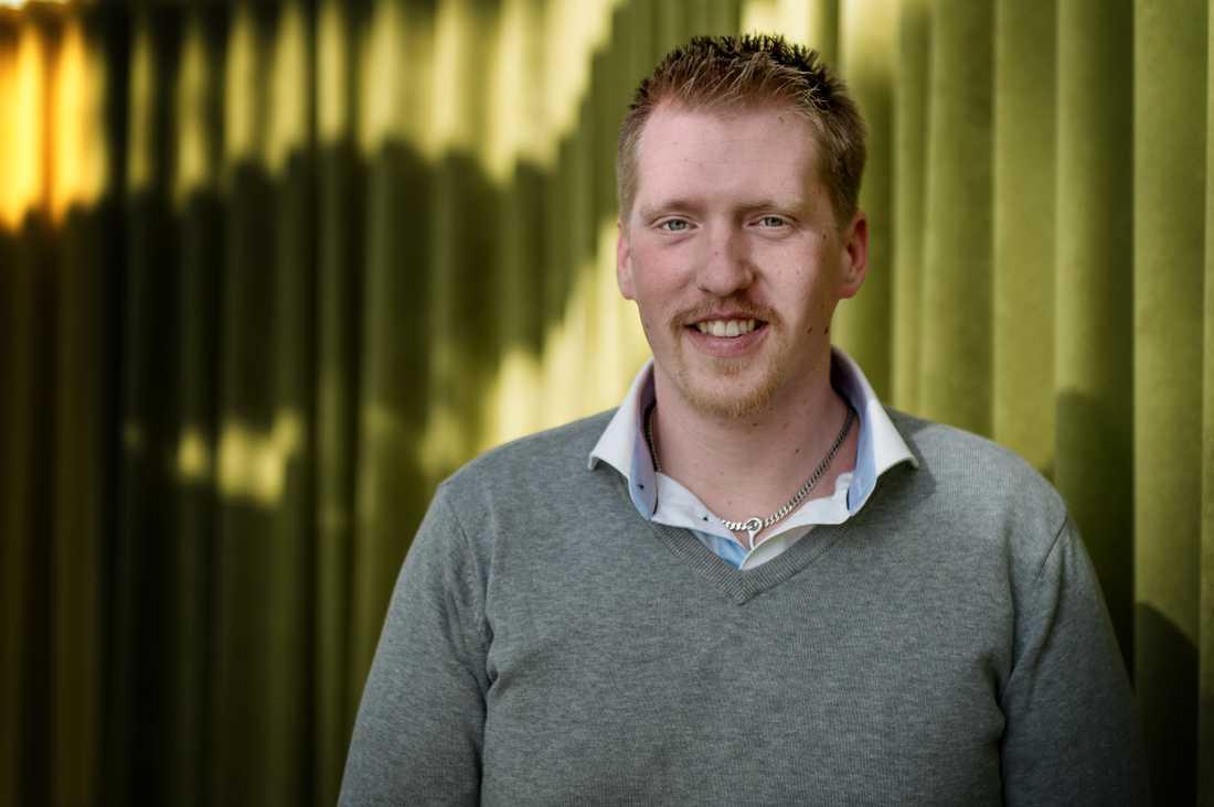 Nicklas Jansson vill att folk inser hur farligt rattsurfande är.