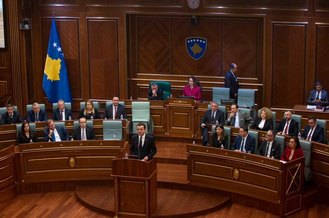 Albin Kurti i parlamentet i februari.