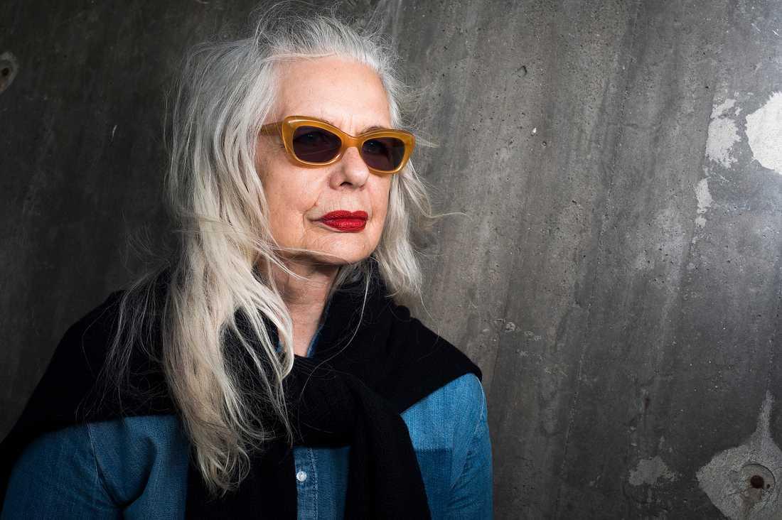 """""""Får man förtroende växer man, annars håller man sig där man tror att man ska befinna sig. Jag kunde bli chef på Kulturhuset. Hur gick det till? Unga ska inte tro att andra har något märkligare än man själv har. Fram för de medelmåttiga. Världen är full av oss"""", säger Marianne Lindberg De Geer."""