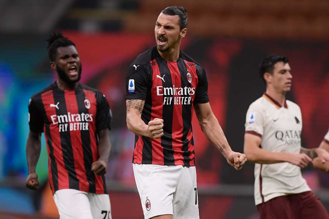 Zlatan Ibrahimovic firar sitt andra och Milans tredje mål mot Roma på måndagskvällen.