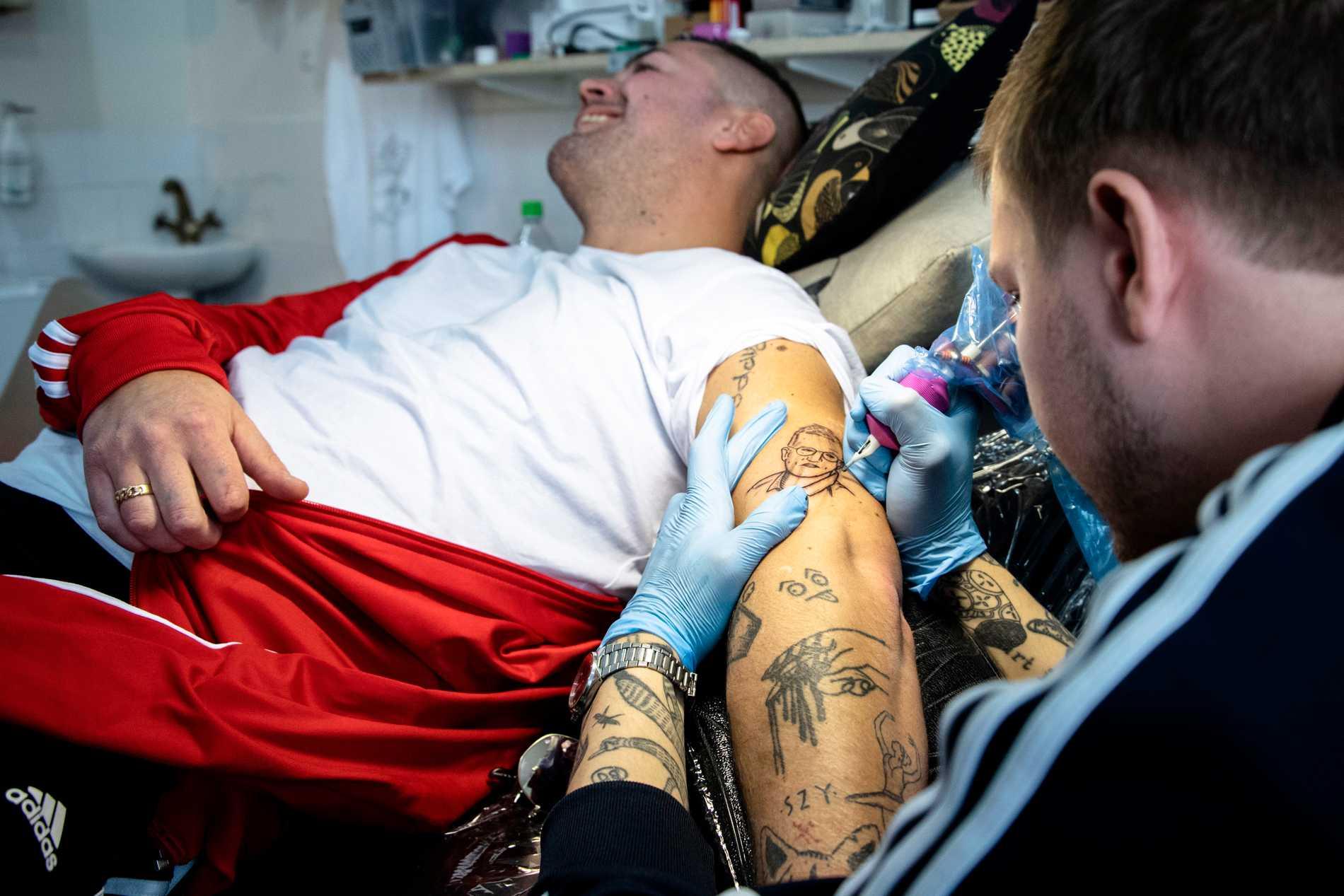 Tatuering var klar på 30 minuter.