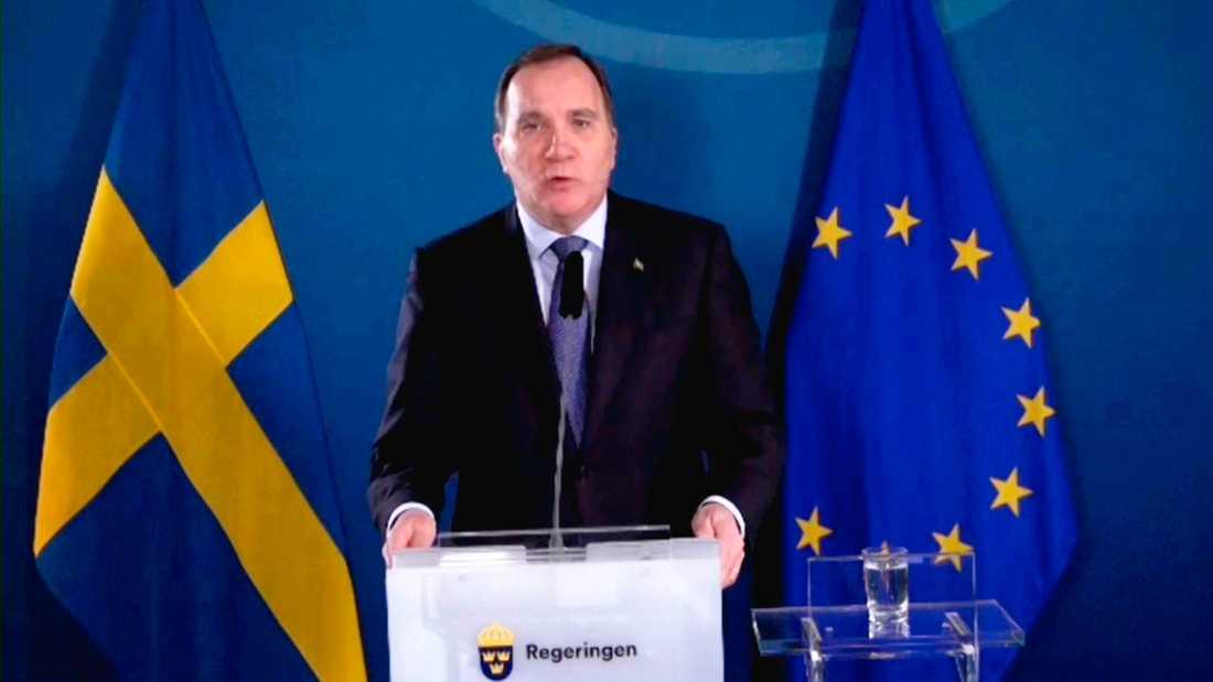 Statsminister Stefan Löfven (S) håller en digital pressträff i Rosenbad.