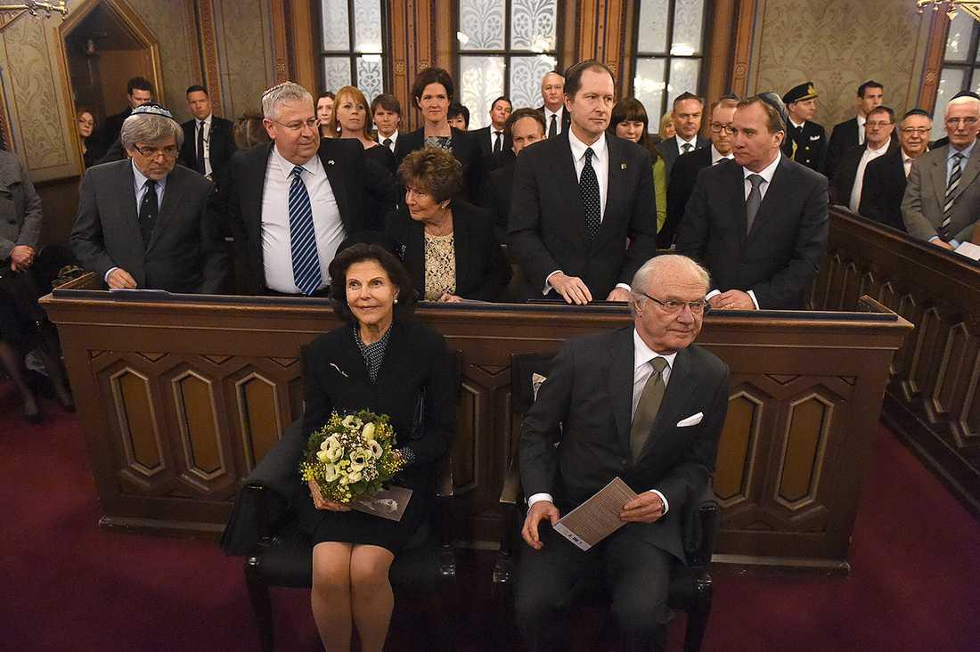 Drottningen och Kungen var på plats i Stockholms synagoga.