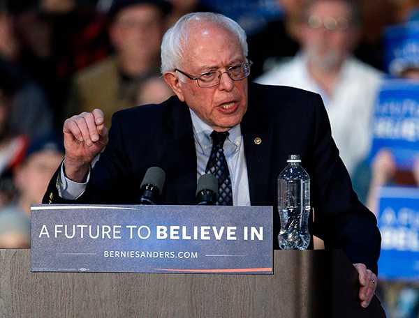 HILLARY-UTMANARE Bernie Sanders.