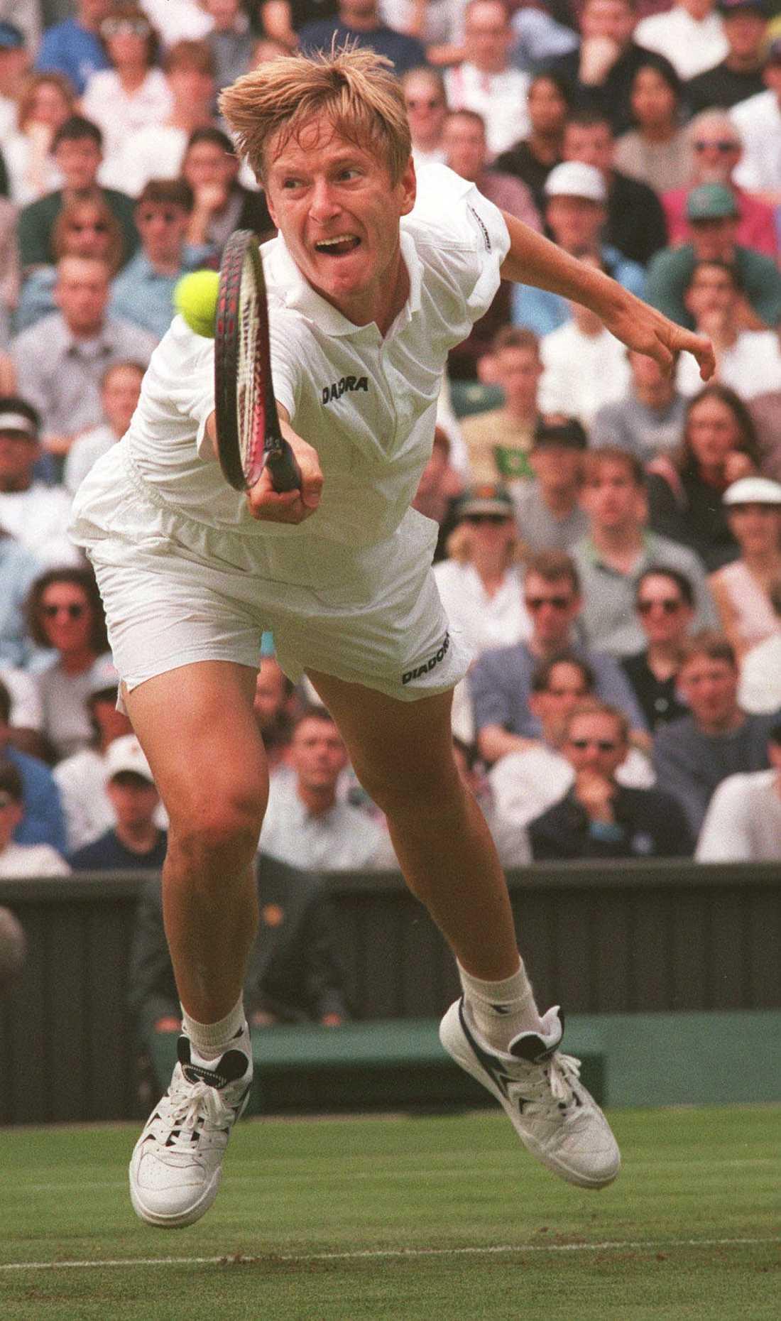 1996, Yevgeny Kafelnikov (RUS) Vann över Michael Stich (GER) med siffrorna 7–6(7–4), 7–5, 7–6(7–4).