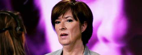 Tappar allt fler Mona Sahlin och Socialdemokraterna kämpar mot ett sviktande förtroende och vikande väljarstöd.