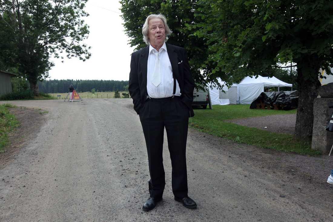 """""""Vi var överens om att det ärligaste sättet att tackla detta, var att begrava Rut i filmen"""", säger Sven Wolter."""