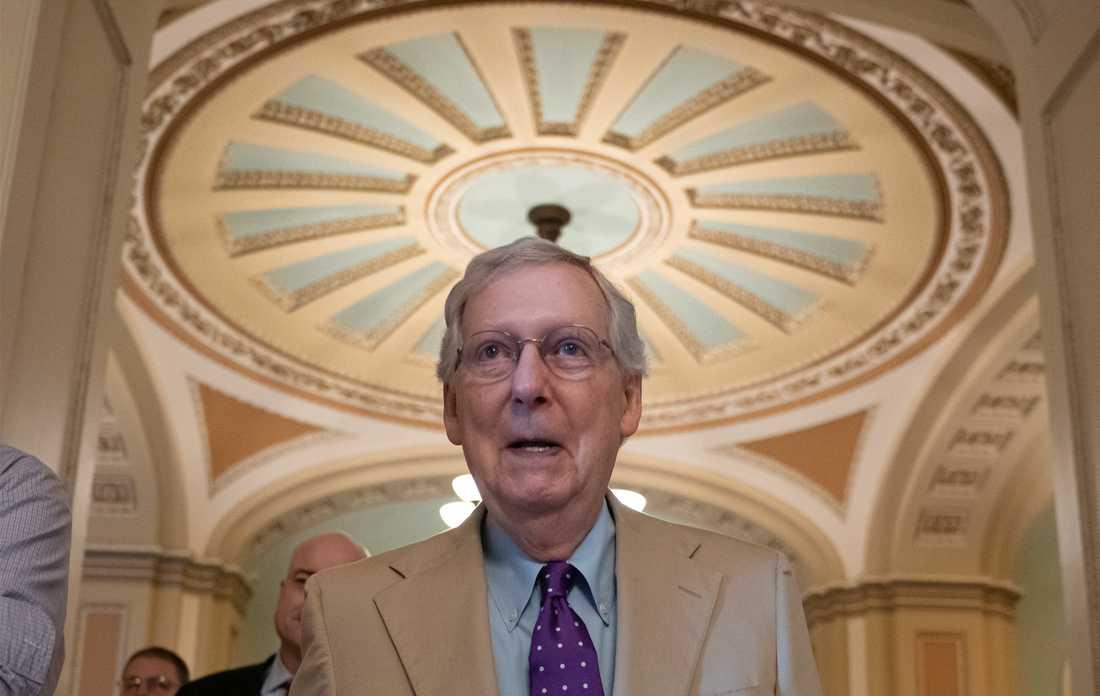 Mitch McConnell, Republikanerna, är majoritetsledare i senaten.