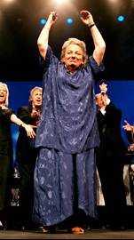 Sonya Hedenbratt hyllades på sin sista konsert i maj 1999.