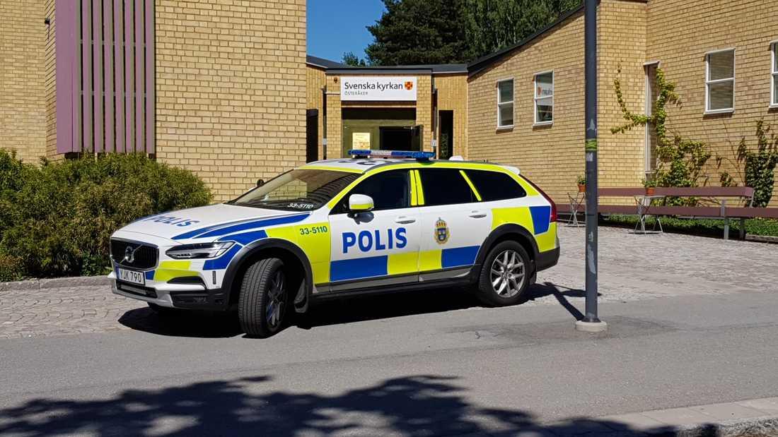 En större summa pengar har hittats i en kyrkskrubb, enligt uppgifter till Aftonbladet.