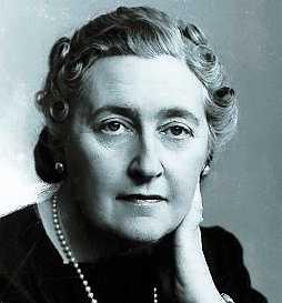 Deckardrottningen Agatha Christie.