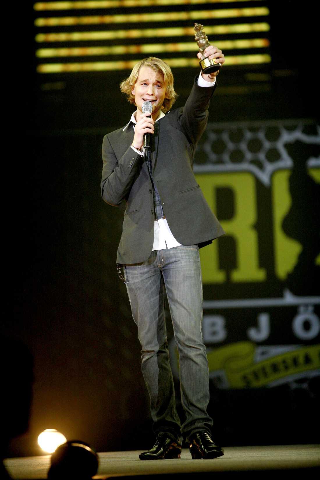 Blivande humorstjärna 2008 när Björn Gustafsson underhöll och gjorde succé på Rockbjörnengalan i Hovet var han fortfarande en nykomling.
