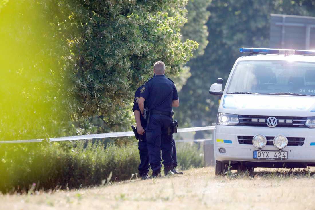 Kvinna död vid gångtunnel i Fagersta.