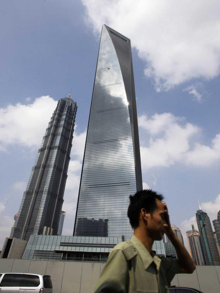 Shanghai World Financial Center, 492 meter högt.