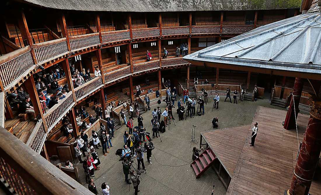 Sedan 1997 finns en kopia av Shakespeares egen teater Globe Theatre som brann ner 1613. Foto: TT