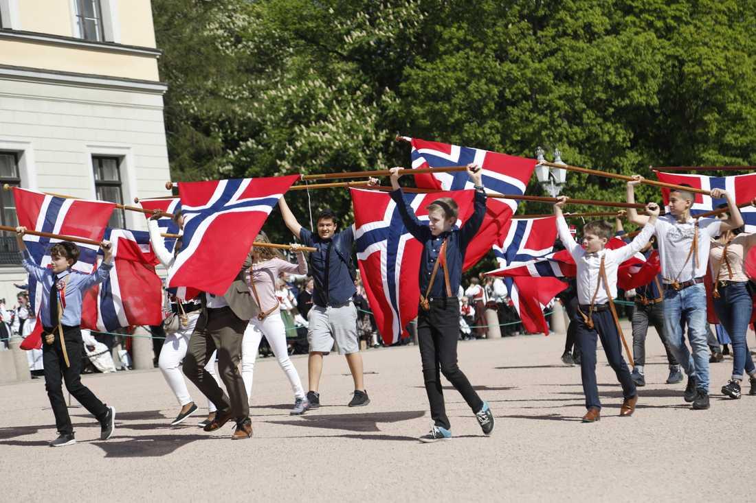 På den norska nationaldagen den 17 maj hålls traditionellt en barnparad, men i år är den inställd på grund av viruspandemin. Bilden är från i fjol.