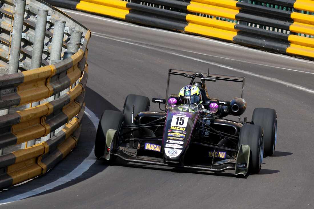 Joel Eriksson femma i kvalet till Macau Grand Prix i Formel 3