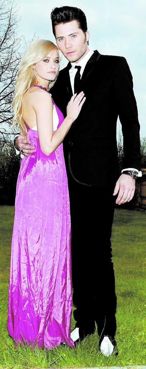 Brolle och Elin Lanto visade upp sin kärlek i maj 2008.