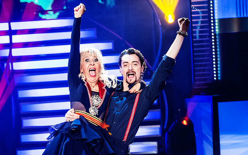 Pia Johansson och hennes danspartner Marc Christensen får lägga in en extraväxel inför fredagens program.