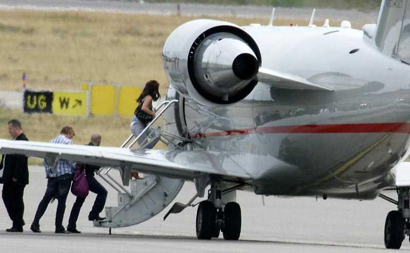 Här lämnar Britney Sverige för att flyga vidare mot Berlin.