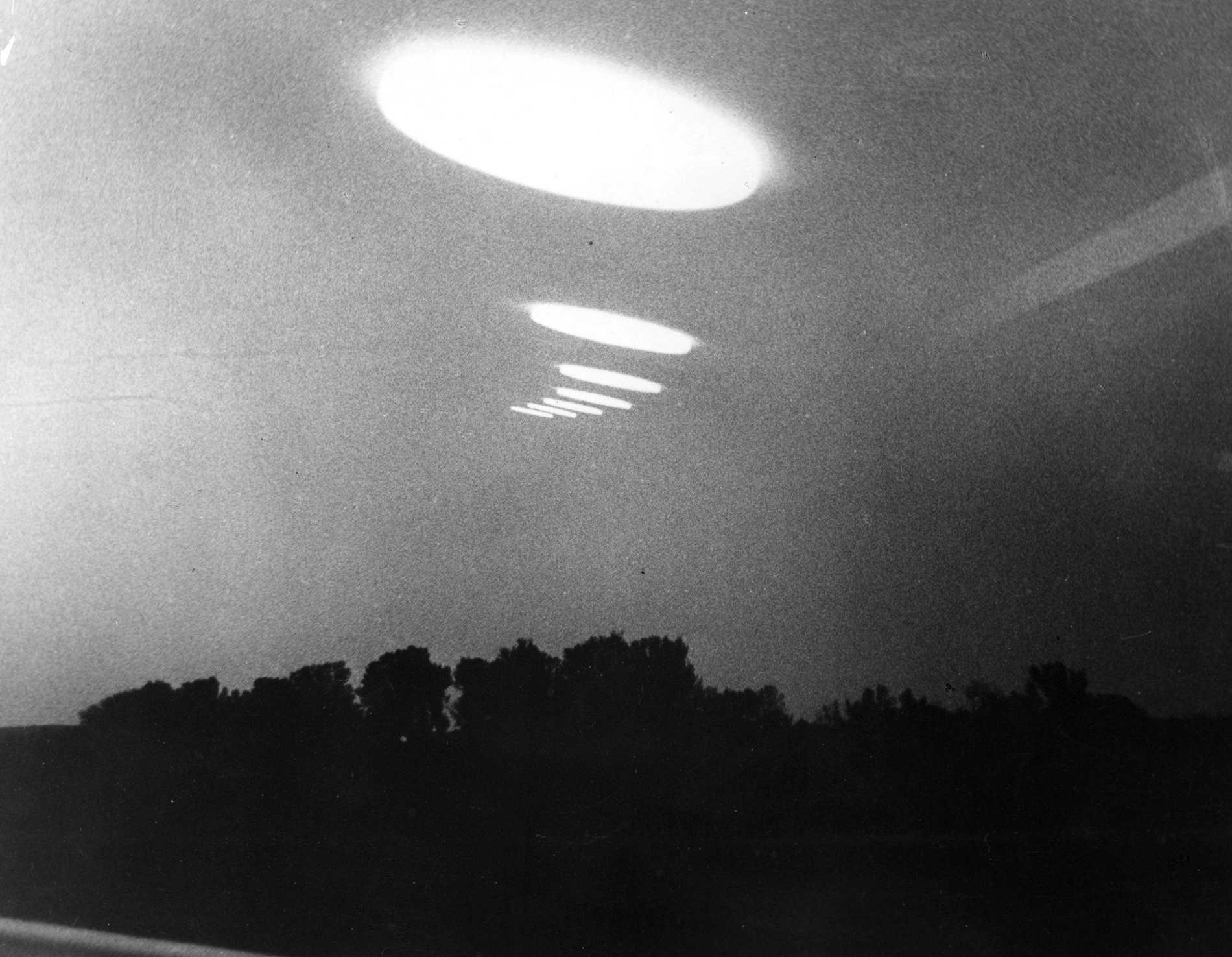 Detta misstänks vara ett ufo som är fångat på bild.