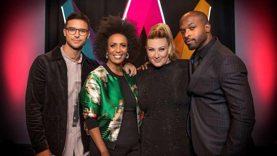 Eric Saade, Marika Carlsson, Sarah Dawn Finer och , Kodjo Akolor programleder Melodifestivalen 2019.