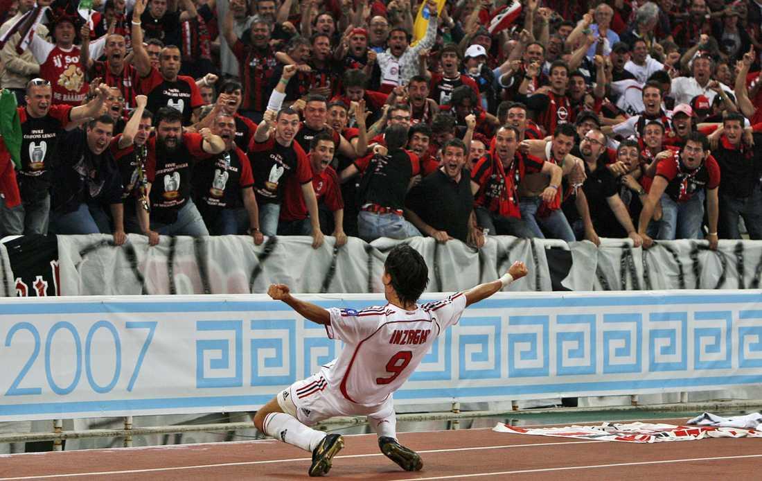 Pippo skriker ut sin glädje mot fansen efter att ha gjort det första målet i Champions League-finalen mot Liverpool 2007. Milan vann med 2-1.