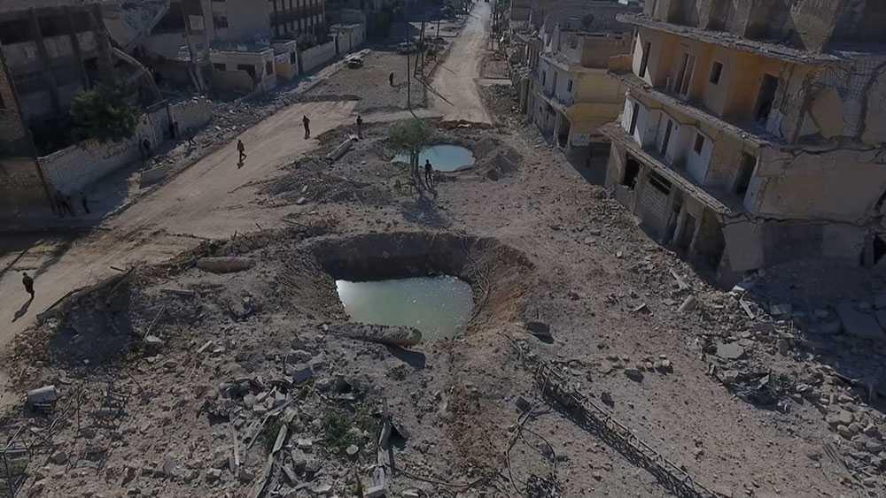 Nya drönarfotografier visar förödelsen i Aleppo.