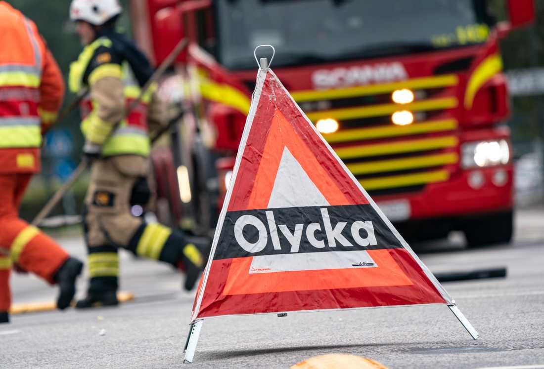 Tre personer är förda till sjukhus efter en singelolycka utanför Vingåker. Arkivbild.